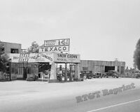 Photograph of a 1939 Texaco Gas Station in California (Snow Crown)  8x10