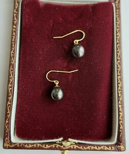 A Fabulous Pair Of Grey Cultured Pearls In 18ct Yellow Gold