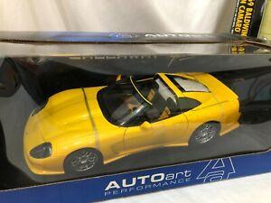 1/18 SCALE MODEL AUTO ART Chevrolet Chevy Corvette C12 yellow