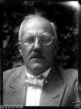 portrait homme noeud papillon lunettes ancien négatif verre photo - an. 1910 20