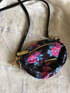 New Betsey Johnson Crossbody Bag Purse Black Pink Floral Zip