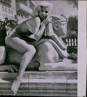 LG828 1957 Wire Photo SHE HAS A HARD TIME WITH PUBLICITY June Cunningham Sexy