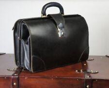 Accessoires vintage en cuir pour art déco