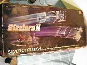 Mattel 1975 Sizzlers II SILVER CIRCUIT SET Hot Wheels No. 9276