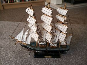 """WOODEN MODEL """"CUTTY SARK"""" CLIPPER SHIP NAUTICAL PERFECT"""