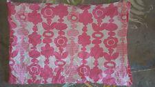 """Pb Teen """"Pink Flower Chain"""" Standard Pillow Sham"""