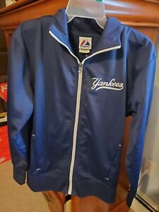 Womens Majestic Yankees zip-up size small