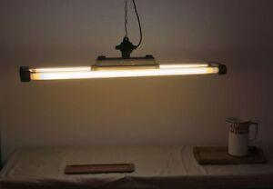 Doppel-Neonlampe | Industrieleuchte | Leuchststofflampe | Arnstadt GD22