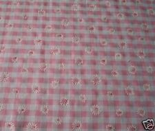 CURTAINS PINK GINGHAM DAISY / Inches 54 wide x 63 long / Made in England