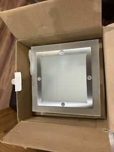 Bathroom Wall Light With Pull Switch New In Box