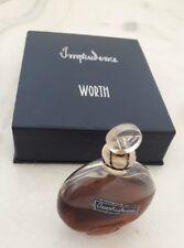 """Rare flacon miniature """"Imprudence"""" de Worth, création Lalique, dans son coffret."""
