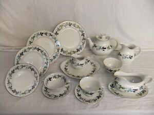 c4 Porcelain China Royal Doulton - Burgundy 7E1B