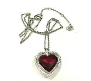 SWAROVSKI SWAN Signed Red Crystal HEART Pendant Necklace Rhodium Silver  OO148Zi