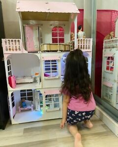 Big Doll House. 115*81*28. Wooden Modern Doll's House.