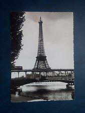 L327. Carte Postale Tour Eiffel avec timbre et cachet Tour Eiffel.