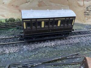 Hornby OO Gauge GWR 4 Wheel Coach