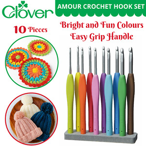 Clover Amour Crochet Hook Set - 10 Different Soft Grip Hooks (2.25mm - 6.0mm)