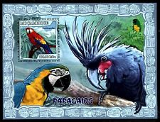 Mozambique  MNH Birds: Scarlet Macaw-Ara macao  2007 x16312