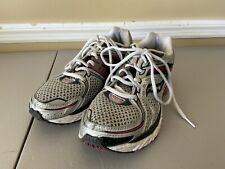 Saucony Hurricane 13 Pink Gray Mesh Athletic Running Shoes Women's Sz 9.5