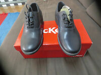 KICKERS Long style cuir noir Talon 3cm Valeur 129E NEUVE Pointures 38,39