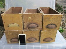Cajón de Madera Vintage Hierro Mango racks pantalla archivar Estante Antiguo £ 14 cada uno
