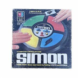 Vintage Milton Bradley Simon Repeat Game With original box 1978 Tested