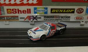 LIFE-LIKE #6 FORD THUNDERBIRD VALVOLINE NASCAR WITH LIFE-LIKE M-CHASSIS