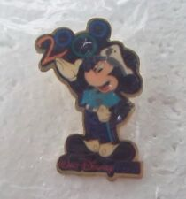 *~* DISNEY WDW CAST EXCLUSIVE MICKEY SECURITY 2000 NEW IN PKG. PIN *~*