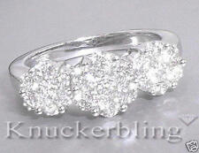 18 Carat White Gold VS2 Cluster Fine Diamond Rings