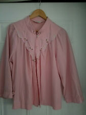 Vintage Women's Sleepwear Baby Pink Embroidered Flowy Pijama Top /Wrap size  L