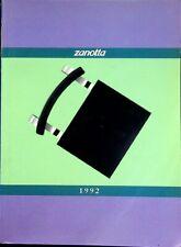 Zanotta: 1992. Testi anche in inglese francese tedesco e spagnolo.