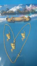 Women Gold Plated Egyptian Queen Nefertiti Earring & Pendant necklace set.