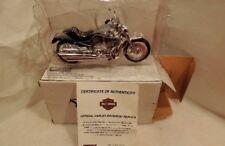 MAISTO HARLEY DAVIDSON MOTORCYCLE 1:18 V-ROD  2004 DIE CAST W/BOX /CERTIFICATE
