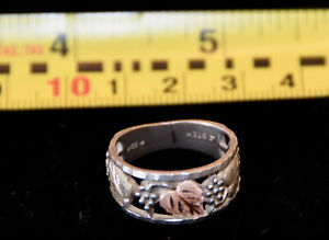 Black Hills Gold Men's Ring -- Size 9