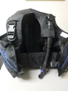 SeaQuest Spectrum 2 ADV Black Scuba Diving BCD Size medium Plus Hose - never wet