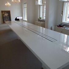 Konferenztisch 650cm x 72cm x 160cm für Werbeagenturen und Filmstudios