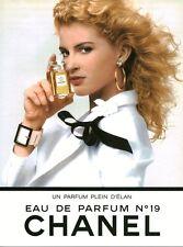 Publicité ancienne eau de  parfum  No 19 Chanel issue de magazine