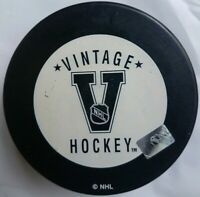 PHILADELPHIA FLYERS VINTAGE HOCKEY NHL OFFICIAL INGLASCO MADE IN SLOVAKIA   PUCK
