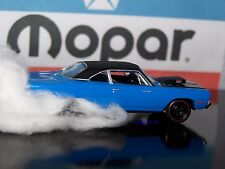 1969 69 PLYMOUTH ROAD RUNNER 440 COLLECTIBLE MOPAR DIECAST MODEL - DIORAMA