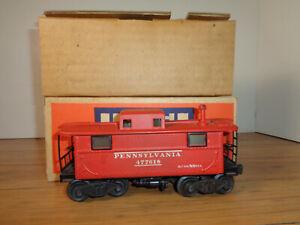 LIONEL O GAUGE # 2457 PENNSYLVANIA RAILROAD ILLUMINATED CABOOSE, INSERT AND BOX