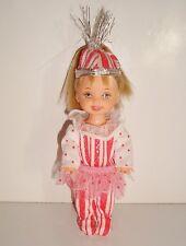 Poupée vintage Shelly Barbie (11cm) Mattel 1994 blonde tenue de fête clown