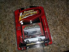 Johnny Lightning Limited 1965 Chevy Impala SS Convertible White & Red 1/64 MINT