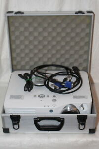 Panasonic PT-AX200 Hd-Heimkino Beamer Projector 6000:1 Lens-Shift 94h Projector