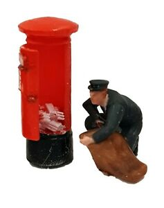 FG07 Postman and Open Post Box Figure unpainted OO scale
