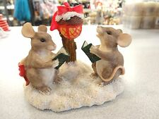 Charming Tails Maxine & Mackenzie Caroling Christmas Mouse Dean Griff Figurine
