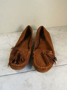 Minnetonka Sienna Brown Feather Tasseled Leather Moccasin Shoes Women's 8