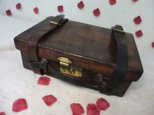 STUNNING ANTIQUE LEATHER CARTRIDGE SHOOTING HUNTING  MAGAZINE ARMY & NAVY