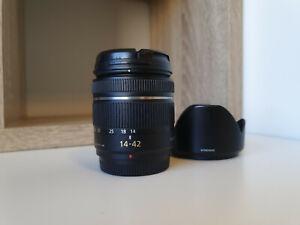 Panasonic Lumix 14-42mm f/3.5-5.6 G Mega O.I.S AF Lens + Hood