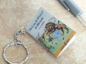 Lion, Witch & the Wardrobe keyring Keychain Mini Book