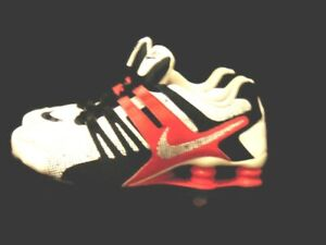 Nike Sneakers White Red Black Leather Shox Current Premium Womens Size 8 646824